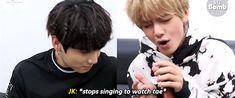 LOF IS IN DI AIR(?  Se nota que Jungkook lo ama mas de lo que V a el ;-;  Siempre lo mira con esa cara de embobado enamorado jsjs