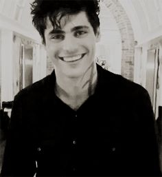 Shadowhunters ... Matthew Daddario as Alec Lightwood