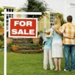 When selling your home, having an experienced Realtor or real estate agent is a smart move. They can offer you tips when selling your home to help sell your Sell My House, Selling Your House, Selling Real Estate, Real Estate Tips, Las Vegas, Home Selling Tips, 1 Real, Mortgage Payment, Moving Tips