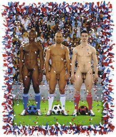 """La mostra """"Nackte Männer"""", Uomini nudi, dedicata alla nudità maschile nell'arte figurativa dal 1800 fino ai nostri giorni, e ' stata inaugurara ieri al Leopold Museum di Vienna. Quadri, fotografie e sculture per rappresentare il cambiamento della visione del corpo maschile nella storia dell'arte."""