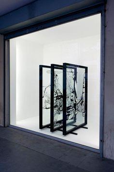 Paravent - 2001 - 3 panneaux de verre sérigraphiés, structures en métal - 3 x (120x76x45 cm)