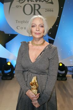 Marie Laforet - 2006 Grey Hair Styles For Women, Celebrity Stars, 80s Outfit, Celebs, Celebrities, Silver Hair, Older Women, Music Artists, Movie Stars