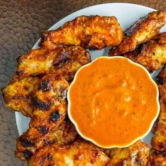 Peri Peri Sauce Peri Peri Sauce should be garlicy spicy lemony tangy and utterly addictive. This bright fresh fully-flavoured version hits all the right notes. Peri Peri Sauce, Peri Peri Chicken, Nando's Chicken, Chicken Wings, Sauce Recipes, Cooking Recipes, Chutney Recipes, Dips, Sauces