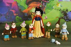 Amigurumi Snow White and the seven dwarfs by dolls, via Flickr
