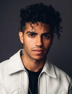 "We talked about everything from the first time he met Will Smith to his first bad haircut. ""Aladdin"" Star Mena Massoud Used To Have The Biggest Crush On Hilary Duff Aladdin Cast, Aladdin Movie, Naomi Scott, Hilary Duff, Beautiful Celebrities, Beautiful Men, Mena Massoud, Flat Top Haircut, Star Wars"