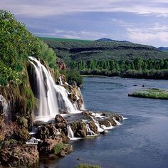 Fall Creek Falls and Snake River Idaho Top Most beautiful waterfalls in the world Beautiful Waterfalls, Beautiful Landscapes, Uk Landscapes, Places Around The World, Around The Worlds, Beautiful World, Beautiful Places, Beautiful Scenery, Beautiful Pictures