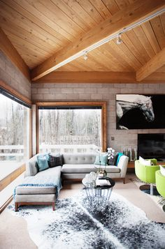 Mountain house... but how do you keep exposed concrete and still have insulation?
