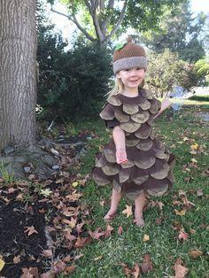 DIY Halloween Costume Tutorial - Pine Cone Costume for kids, toddler #diyhalloweencostumes