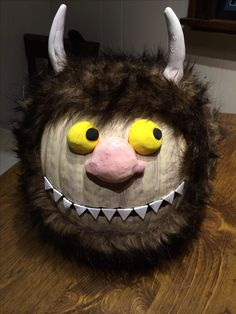 DIY pumpkin decorating idea. Where the Wild Things Are Directions here:)  http://amymelendz.tumblr.com/
