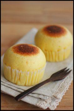 ホットケーキミックスで簡単!こんがり焼き色つきチーズ蒸しパン | ビジュアル系フード