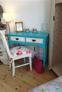 Skylar-Belle Autentico Bright Turquoise Hall Table Painted Furniture, Bedroom Ideas, Projects To Try, Vanity, Bright, Turquoise, House, Home Decor, Dressing Tables