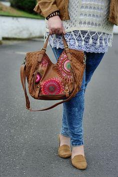 Große Größen Plus Size Fashion Blog, hippie boho look, brown desigual bag, brown loafers and skinny jeans