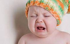 Perché il vostro bambino piange? Come comportarsi quando accade? Vi siete mai chiesti perché il vostro bambino piange? Cosa vuole dirvi? Con il pianto il bambino vuole comunicarci qualcosa di importante, è importante capire cosa. Ecco alcune indicazioni per guidar #bambino #pianto #consigli #figli
