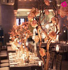 Árvores francesas são elegantes e românticas e versáteis: podem ser personalizadas ao gosto do casal: com equilíbrio na medida, podem ser utilizados cristais, pérolas, velas ou flores. Inspire-se!