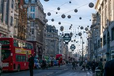 Kerst in Londen New Years Eve, Times Square, Street View, England, Baby, Travel, Viajes, Destinations, Baby Humor