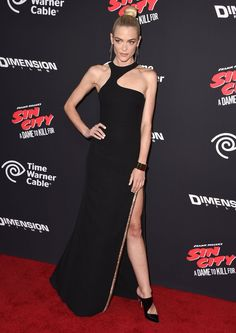 Pin for Later: It Was Jessica Alba's Night, but Which Dame's Dress Would You Kill For? Jaime King From the Front
