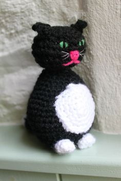 Crocheted cat - free pattern