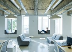 Architecture design and interior design for technology companies curated by Dezeen Corporate Interiors, Office Interiors, Home Renovation, Style At Home, Ecole Design, Portfolio Website Design, Architecture Office, Best Interior Design, Interiores Design