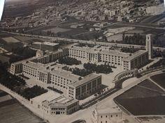 Nuevo emplazamiento del Hospital General Universitario de Valencia. Años 60s Hospital General, Centenario, Alicante, Nostalgia, Spain, Louvre, Mansions, History, House Styles