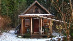 Henry Reed Cabin in Gibsons, British Columbia. Submitted by Jade Buffalo to freecabinporn.com