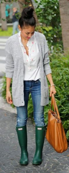 Outfits para días de lluvia http://beautyandfashionideas.com/outfits-para-dias-de-lluvia/ #Fashion #Fashiontips #Ideasdeoutfits #Moda #Outfits #Outfitsparadíasdelluvia #rainydayoutfits #rainyoutfits #Tipsdemoda