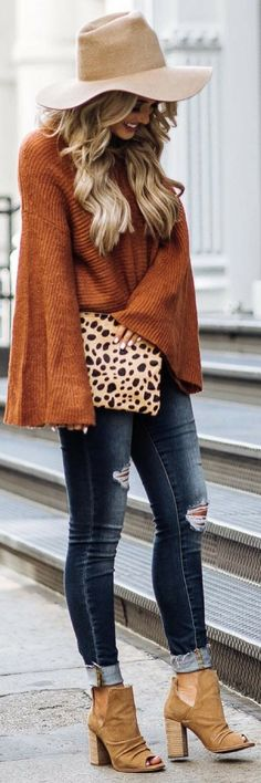 flare-sweater-fall-outfit-emily-herren