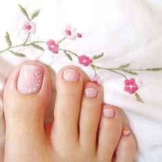 Flower Pedicure Designs Toenails Pink Toes 35 New Ideas Flower Toe Nails, Pink Toe Nails, Pink Toes, Feet Nails, Manicure And Pedicure, Pink Pedicure, Pedicure Ideas, Pink Nail, Simple Toe Nails