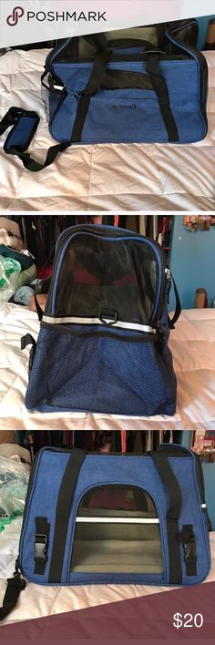 Pet Carrier !! Great for small dog and cats Great for dogs 10 lbs and under would fit cats too! Never used didn't fit my dog! Has very sturdy shoulder strap included ! Other