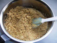 Αν νομίζατε μέχρι τώρα ότι ο τέλειος χαλβάς γίνεται με τις γνωστές αναλογίες 1-2-3-4, κάνατε λάθος...  Υλικά  για το σιρόπι : 4 1/2 κούπες ... Greek Recipes, Cinnamon Rolls, Oatmeal, Breakfast, Sweet, Blog, Anna, Foods, Treats