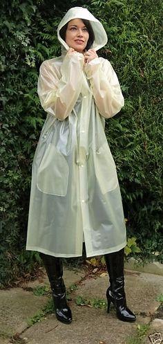 Schicker transluzenter PVC Regenmantel