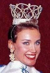 nina björkfelt instagram – Google-haku Beauty Queens, Crown, Google, Instagram, Fashion, Moda, Corona, Fashion Styles, Fasion