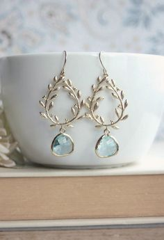 Laurel Wreath Earring Aqua Aquamarine Blue Gold Plated von Marolsha