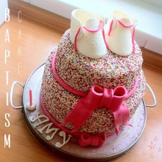 Vanilla Cake filled with fresh raspberries and a bit of raspberries butter creme ;)  And many many sprinkles
