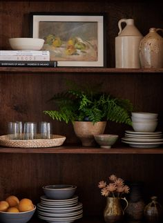 Inspired Interiors: Amber Interiors Home Tour. A beautiful traditional home steeped in gorgeous vintage, conversation inspiring detail. Interior Styling, Interior Design, Modern Interior, Bookshelf Styling, Amber Interiors, Kitchen Styling, Home Decor Inspiration, Interior And Exterior, Rustic Exterior