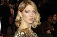 """Bond-Girl Léa Seydoux hat keinen Führerschein - dafür ist oftmals zu abgelenkt.Die französische Schauspielerin verriet gegenüber der """"FAZ"""", auf d..."""