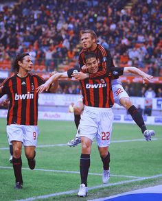 Kaka, Pippo Inzaghi and David Beckham Best Football Players, Football Is Life, World Football, Soccer Players, Football Team, College Football, Ac Milan Kit, David Beckham Football, Milan Wallpaper
