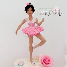 Ballerina cake topper - Cake by Nili Limor such beautiful sugar figure! Dance Cakes, Ballet Cakes, Ballerina Cakes, Ballerina Party, Fondant Man, Fondant Cakes, Cupcake Cakes, Cupcakes, Fondant Molds