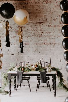 A styled shoot that's not only high in sparkle but also high in glam and elegance, oh, the things we love about this epic NYE wedding inspiration. Wedding Reception Design, Great Gatsby Wedding, Wedding Hats, Wedding Reception Decorations, Wedding Shoot, Wedding Vendors, Wedding Table, Table Decorations, Gatsby Theme