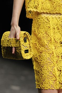 Chanel - love the roses, but not the color Yellow Lace, Yellow Dress, Color Yellow, Yellow Style, Fashion Details, Look Fashion, Fashion Beauty, Yellow Fashion, Chanel Fashion