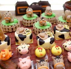 Farm Animal Party, Farm Animal Birthday, Cowboy Birthday, Farm Birthday Cakes, Boy Birthday Parties, 2nd Birthday, Pig Party, Farm Party, Cartoon Cookie