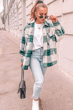 Trendy Fall Outfits, Winter Fashion Outfits, Flannel Fashion, Black Outfits, Cute Flannel Outfits, Flannel Shirt Outfit, Winter School Outfits, Comfy School Outfits, Back To School Outfits Highschool
