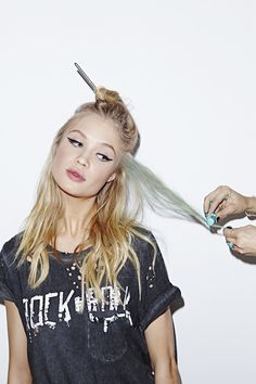 Nasty Gal Tutorial - How to chalk hair