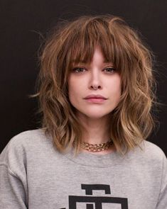 Short Layered Hair Style - 60 Classy Short Haircuts and Hairstyles for Thick Hair - The Trending Hairstyle Hot Haircuts, Hairstyles With Bangs, Fresh Haircuts, Soft Bangs, Bangs Wavy Hair, Blonde Bangs, Blonde Brunette, Blonde Hair, Curly Hair Styles