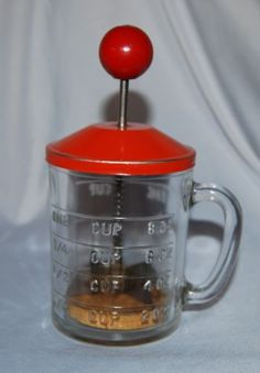 Vintage-Hazel-Atlas-1-Cup-Glass-Chopper-w-Wood-Disk