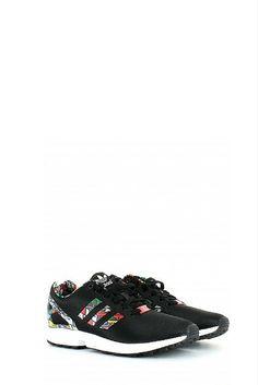 new concept 04a72 f572e Semplici ma sorprendenti, le sneaker ZX Flux sono un accattivante  rivisitazione delle scarpe da