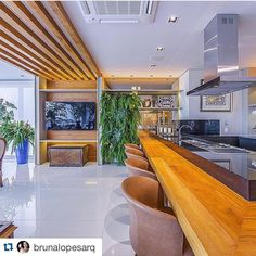 #Repost @brunalopesarq with @repostapp. ・・・ Apaixonada nessa varanda gourmet. RG @rafaelpalazzioguimaraes. ✨✨✨ #inspiração #arquitetura #decoração #design #decor #architecture #archdesign #decorating #likes #arq #love #brunalopesarq #dicasdaarq #bl