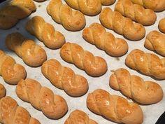 Greek Desserts, Party Desserts, Greek Recipes, Sweet Buns, Sweet Pie, Biscotti Cookies, Almond Cookies, Macaron Recipe, Easter Recipes