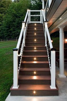 17 Light Stairs Ideas You Can Start Using Today 2019 Light for stairs (stairway) ideas LED pendant hallway rope hallways entrace foyers beautiful paint colors reading nooks dark grand staircase kitchen awesome and layout The post 17 Light Stair Outdoor Stair Lighting, Deck Stair Lights, Deck Stair Railing, Stairway Lighting, Backyard Lighting, Ceiling Lighting, Pool Backyard, Foyer Lighting, House Lighting
