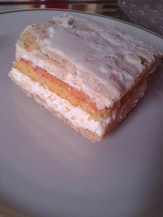 Diplomatica cake. Easy recipe if ur desire is an italian pan di Spagna, pan, so suga rly, natural cake. Mini porc.25gr. 50k.8fat&sugar. #ilovecook#amocucinare#ilovefood#amomangiare#simangia#dolce#sweet#drinks#food#cibo#foodpin#seguire#followus#yummi#omg#slurp#gnummy#delizia#delicious#bake#bakemore#brunch#break#snack#slice#homemade#incasa#madewithlove#notsonormal#foodrecycle#healthyfood#bimby#diet#dieta#energy#ricettefacili#easyrecipes#IT#personal#suggestions#fantasy#love#Al #pinterest…