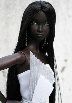 fuckyeahdollsofcolor: Ebony by Peewee Parker on Flickr. [a Fashion Royalty doll —MOD]